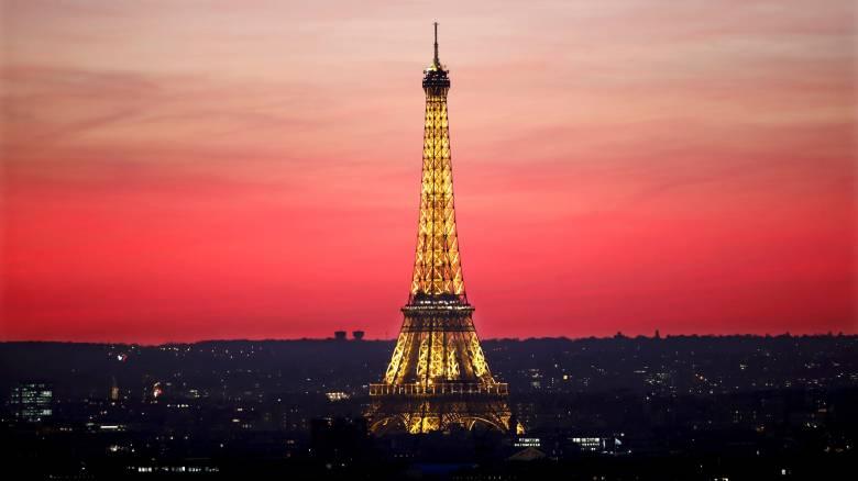 Παρίσι: Σχεδιάζουν κατασκευή αλεξίσφαιρου φράχτη στον Πύργο του Άιφελ