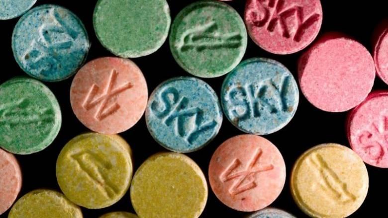 Ολλανδία: κατασχέθηκαν πρώτες ύλες αρκετές για 1 δισ. χάπια έκσταση