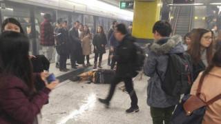 Νέες φωτογραφίες από το φλεγόμενο βαγόνι του μετρό στο Χονγκ Κονγκ