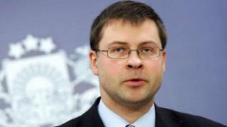 Προειδοποιήσεις Ντομπρόβσκις για αξιολόγηση και επιστροφή στην αστάθεια