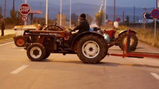Μπλόκα αγροτών: Άνοιξε η Πατρών-Κορίνθου στο ύψος του Αιγίου