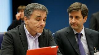 Ασφυκτικές πιέσεις για μείωση αφορολογήτου στα 5.900 ευρώ