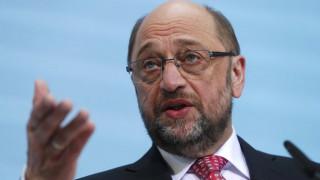 Μάρτιν Σουλτς: Όποιος φλερτάρει με το Grexit παίζει με τη διάσπαση της Ευρώπης
