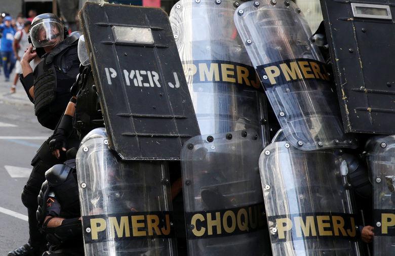2017 02 09T192055Z 1202592489 RC16766B2FB0 RTRMADP 3 BRAZIL PROTEST