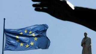 Κοινοτική πηγή στο CNN Greece: Η Ελλάδα ζει με παρατάσεις στην εντατική