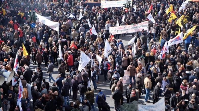 Αγρότες: Κινητοποιήσεις, κλειστοί δρόμοι και αστυνομική παρουσία στο υπουργείο