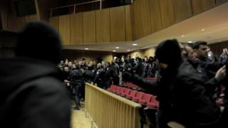 Νέο βίντεο από τα επεισόδια στη δίκη της Χρυσής Αυγής - Μήνυση από τη Μ. Φύσσα