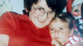 Πώς ένα 6χρονο κορίτσι έμαθε ότι ο πατέρας της ήταν δολοφόνος (pic)