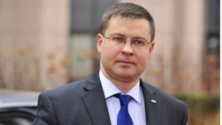 Ντομπρόβσκις: Η καθυστέρηση στη συμφωνία κοστίζει σε όλους