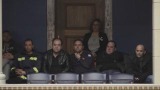 Καταψηφίζει το ΚΚΕ την τροπολογία για τους πυροσβέστες και καταθέτει δική του