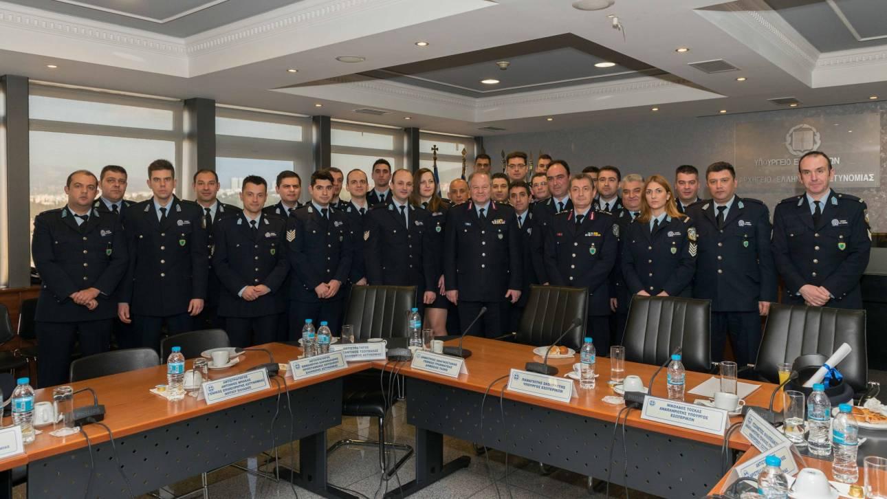 Οι 27 πρώτοι τοπικοί αστυνομικοί «που δεν είναι σερίφηδες»