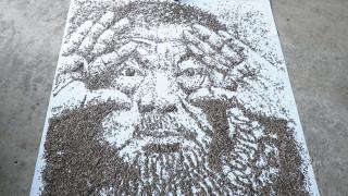 O Ai Weiwei, σύμβολο επανάστασης από 20.000 λιόσπορους
