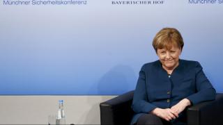 Α. Μέρκελ: Υπάρχει πρόβλημα με το ευρώ