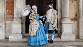 Οι εντυπωσιακές στολές από το φετινό καρναβάλι της Βενετίας