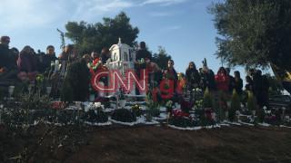Παντελής Παντελίδης: Συγκίνηση στο τρισάγιο για τον ένα χρόνο από τον θάνατό του (pics&vids)