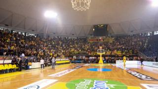 Τελικός Κυπέλλου μπάσκετ: δεν ξεκινάει ο αγώνας λόγω υπεράριθμων οπαδών