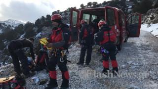Σφακιά: Νεκρή η πεζοπόρος που είχε πέσει σε γκρεμό (pics&vid)