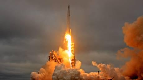 Με απόλυτη επιτυχία η ιστορική εκτόξευση του Falcon-9 και η επιστροφή του στη Γη (pics&vids)