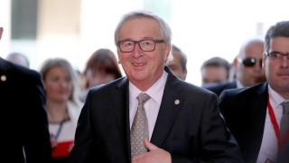Παραίτηση Γιούνκερ: Διαψεύδει την La Repubblica η Κομισιόν