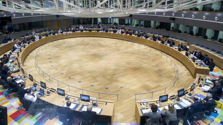Eurogroup Live: Η κυβέρνηση δέχθηκε τα προληπτικά μέτρα - Επιστρέφουν τα κλιμάκια