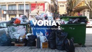 Θεσσαλονίκη: Λόφοι σκουπιδιών λόγω έλλειψης καυσίμων για τα απορριματοφόρα
