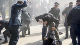 Στο νοσοκομείο 7 αστυνομικοί μετά τα βίαια επεισόδια στα Ιωάννινα (pics)