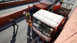 Καταδίωξη φορτηγού και πυροβολισμοί στους δρόμους της Βαρκελώνης (pics)