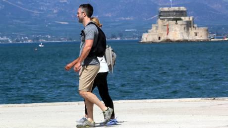 Αυξήθηκαν οι τουρίστες και μειώθηκαν τα έσοδα το 2016