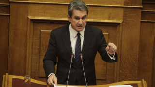 Α.Λοβέρδος: Να φύγουμε όλοι από τη Βουλή, να ψηφίσουν τα μέτρα μόνοι τους
