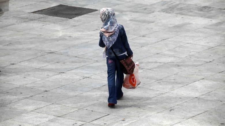 Η Τουρκία επιτρέπει τη μαντήλα στις γυναίκες των ενόπλων δυνάμεων