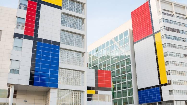 Το Δημαρχείο της Χάγης ο μεγαλύτερος Μοντριάν στον κόσμο (pics&vid)
