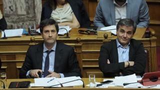 Εξαφανισμένοι οι Τσακαλώτος και Χουλιαράκης μετά το Eurogroup