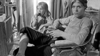 David Bowie: βασιλιάς και νικητής των τρελών στα χθεσινά Brits
