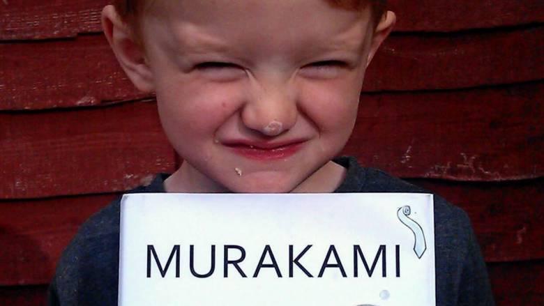 Σήμερα τα μεσάνυχτα ο Χαρούκι Μουρακάμι επιστρέφει με ένα βιβλίο-ποταμό