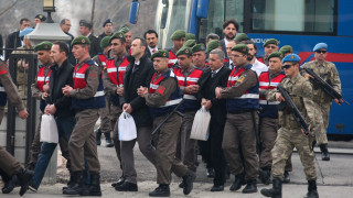 Παραδέχθηκαν οι 2 Τούρκοι στρατιώτες πως είχαν αποπειραθεί να δολοφονήσουν τον Ερντογάν