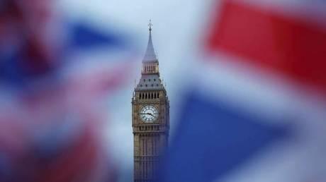 Βρετανία: Μείωση της μετανάστευσης στα χαμηλότερα επίπεδα των δύο τελευταίων χρόνων
