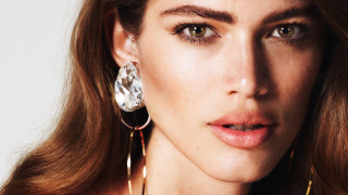 Η Valentina Sampaio στη Vogue σπάει τα taboo