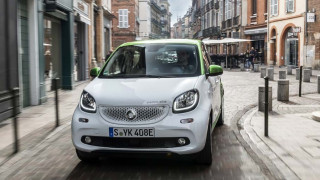 Ta Smart Fortwo και Forfour έγιναν και ηλεκτρικά και λέγονται Electric Drive