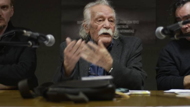 Γλέζος: Βουλευτής του ΣΥΡΙΖΑ μου είπε ότι χρειάζονται ψυχιατρείο