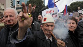 Καζάνι που βράζει η Αλβανία - Συνεχίζονται οι διαδηλώσεις κατά της κυβέρνησης Ράμα (pics)