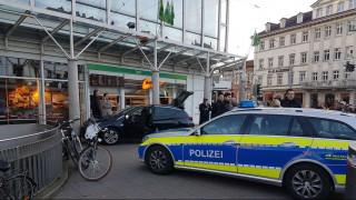 Γερμανία: Άντρας έπεσε με αυτοκίνητο πάνω σε πλήθος