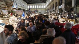 Καθαρά Δευτέρα: Πώς θα λειτουργήσουν τα καταστήματα και οι λαϊκές αγορές