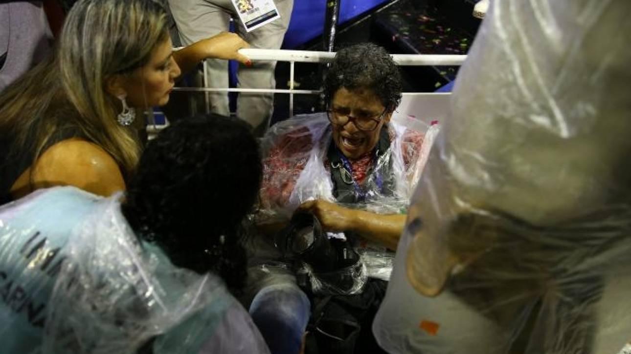 Καρναβαλικό άρμα έπεσε πάνω στο σαμπαδρόμιο του Ρίο - 20 τραυματίες (pics)
