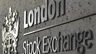 Σύννεφα πάνω από τη συγχώνευση των χρηματιστήριων Λονδίνου και Φρανκφούρτης