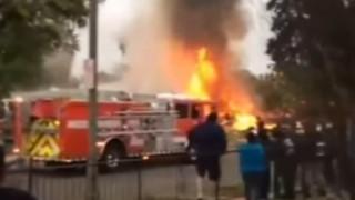 Συντριβή αεροσκάφους σε σπίτια με 4 νεκρούς στην Καλιφόρνια (vid)