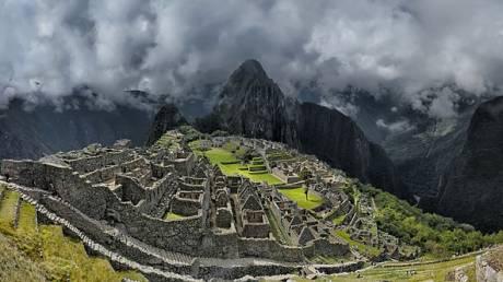 Τα «σκαλιά του θανάτου» με την εκπληκτική θέα στο Μάτσου Πίτσου (vid)