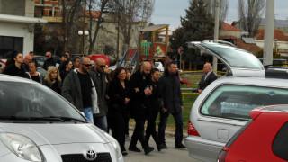 Σε κλίμα βαθιάς οδύνης η κηδεία της 33χρονης Αποστολίας και του μικρού Παύλου (pics)