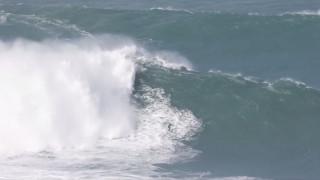 Δαμάζοντας για 35 δευτερόλεπτα τα πιο δύσκολα κύματα στον κόσμο (vid)