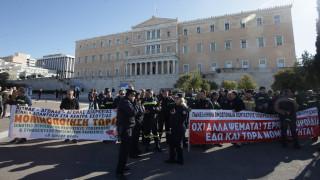 Νέα συγκέντρωση διαμαρτυρίας πυροσβεστών στο Σύνταγμα (pics)