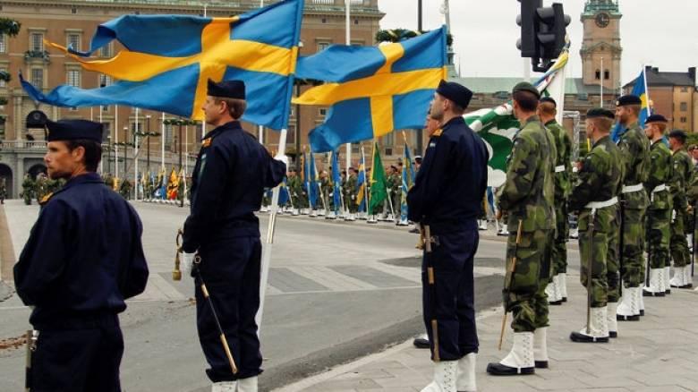 Η Ρωσία… υποχρεώνει την Σουηδία να επαναφέρει την υποχρεωτική στρατιωτική θητεία